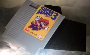 Internet: Une cartouche NES qui valait 6 500 $ et autres actus