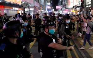 Hong Kong, manifestation après le report des élections