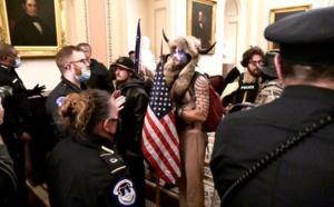 Investiture aux USA: Le Capitole retranchés et complicités internes