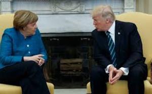 Angela Merkel s'en prend à Twitter après le bannissement de Donald Trump