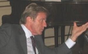 Liban : Kouchner s'invite à un mariage