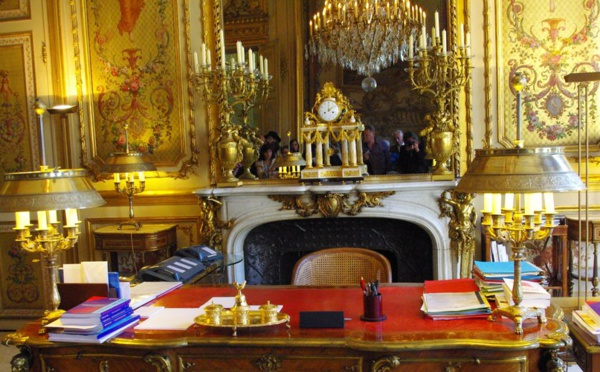 Palais de l'Élysée: 930 000 € et 15 000 feuilles d'or pour restaurer le salon doré