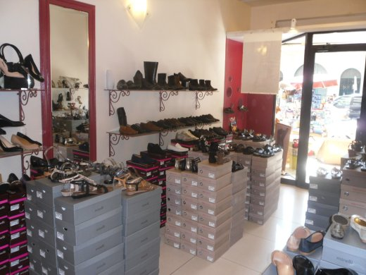 Diaporama Boutique Chaussures San Marina Dakar   Galerie   Boutique ... 437960399faf