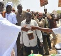 Sénégal-Legislatives-Macky offre 15 millions en guise de « transport » à ses partisans de Thiès